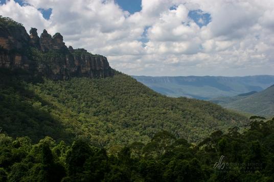 Three Sisters, Katoomba - Blue Mountains Australia.